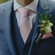 blauw_pak_met_a_touch_of_pink